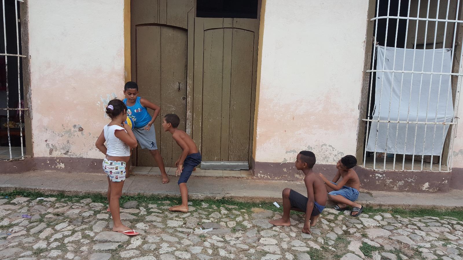 Küba'da Çocuk Olmak
