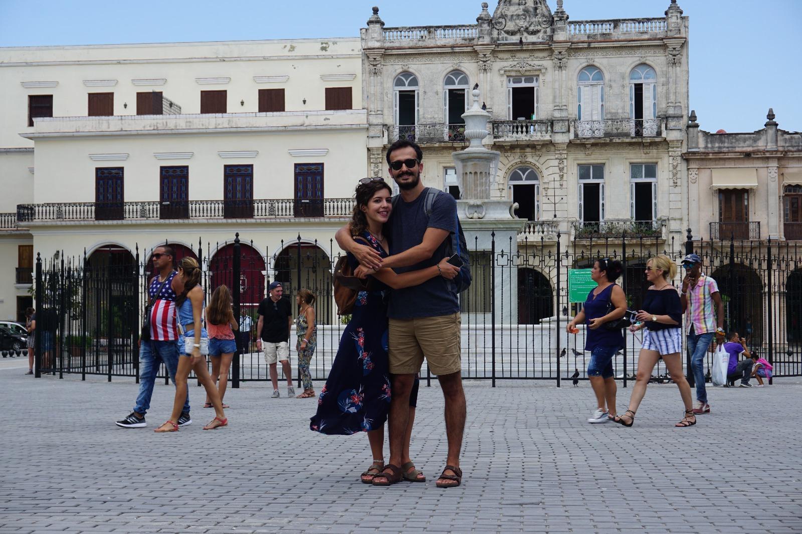Plaza Vieja'da Aşk Başkadır