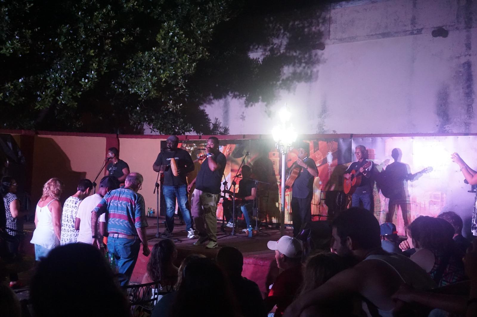 Trinidad'da Sıradan Bir Gece