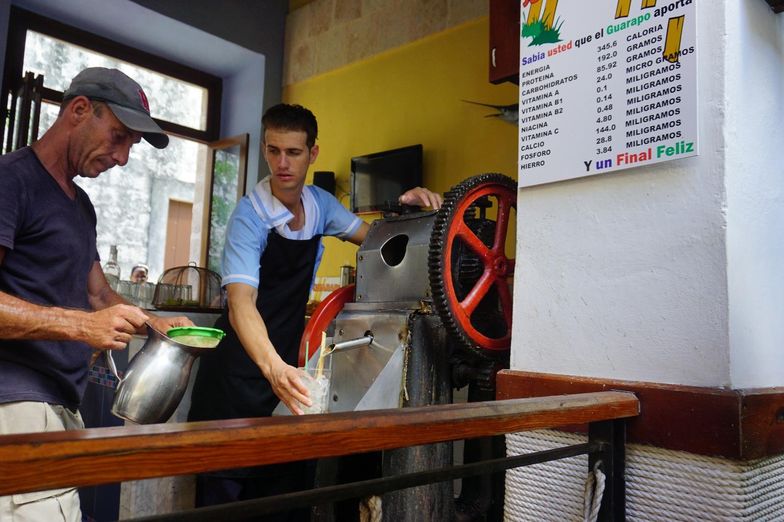 El Emeği Göz Nuru İçkilerimiz Hazırlanıyor - La Marina