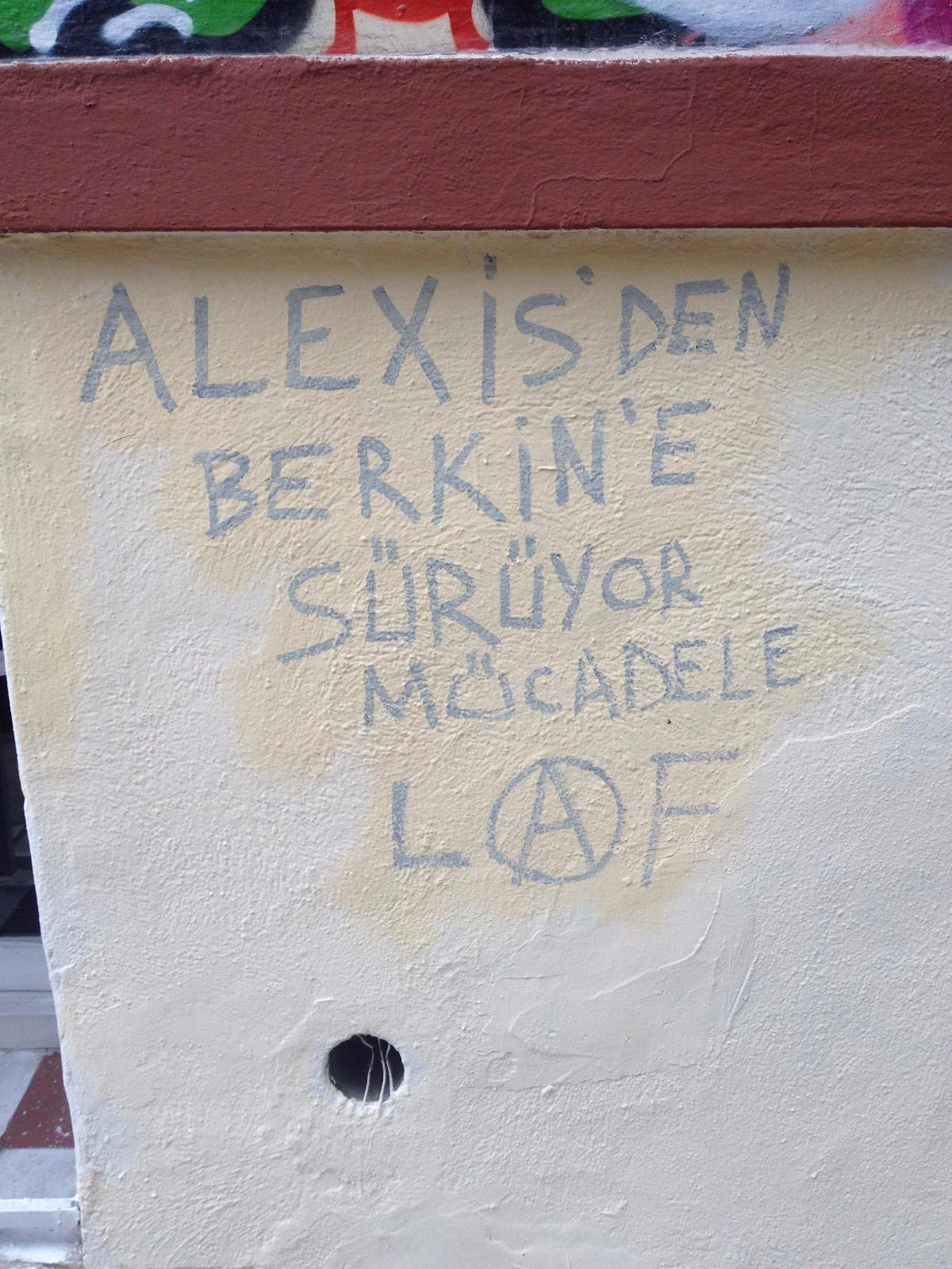 Biz de Buradan Diyoruz ki Kardeşimsin Alexis!
